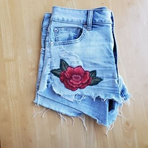 Jean shorts with roses